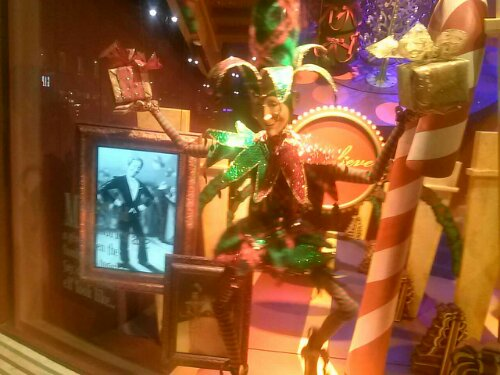 Free copirate image Macy's What on New York Fron Shop windows 2012